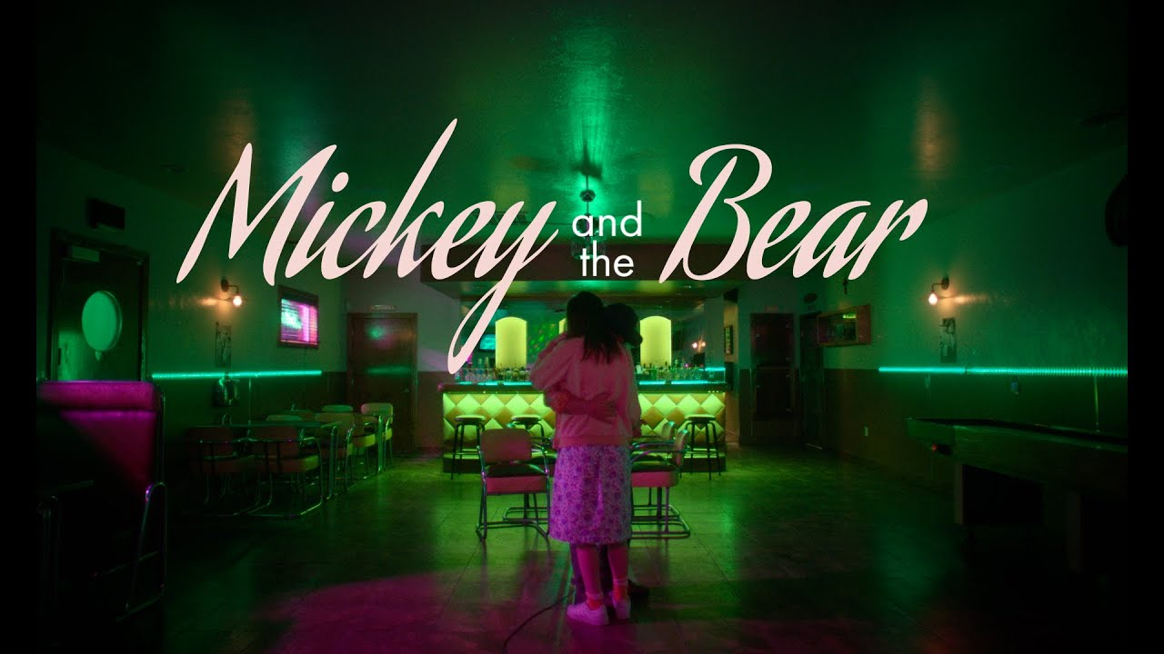 Mickey and the Bear – Tráiler
